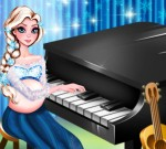 Pregnant Elsa Piano Performance